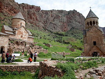 Over 675,000 tourists visited Armenia in January-September 2013