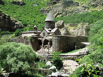Over 843,300 tourists visited Armenia in 2012, ministry of economy reports