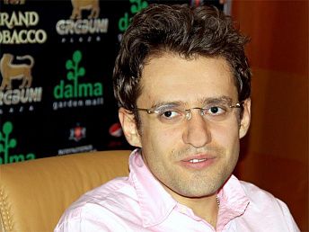Levon Aronian ranked 3rd in fide rating