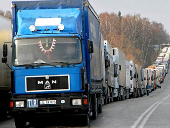 Armenian drivers, delivering goods to Turkey, to get business visas in Tbilisi