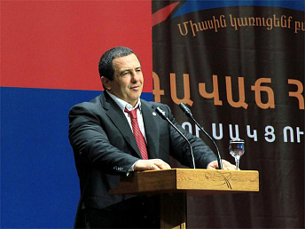 Prosperous Armenia party leader to press for impartial investigation into Oskanian case